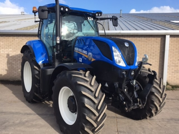 New Holland - T7.210 Tractor - Image 1