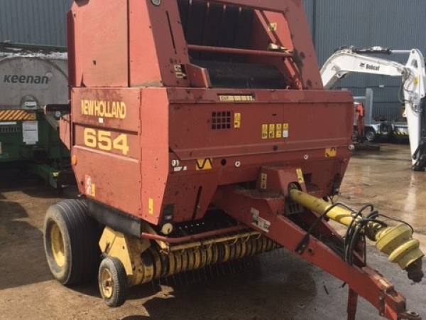 New Holland - 654 Baler - Image 1