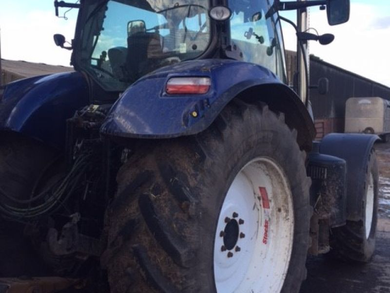 New Holland - T7 210 Tractor