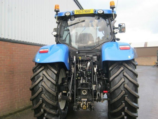 New Holland - T7.200 Tractor - Image 1
