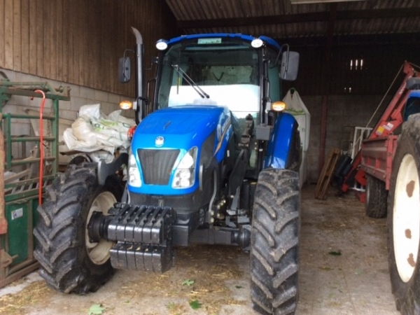 New Holland - T4.105 Tractor - Image 1