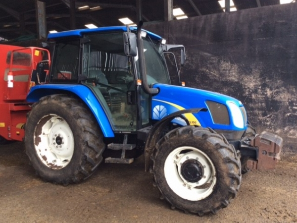 New Holland - TL100 Tractor - Image 1