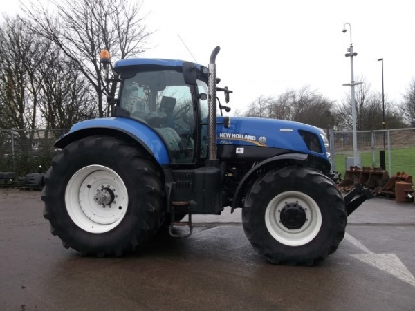 New Holland - T7.270 Tractor - Image 1