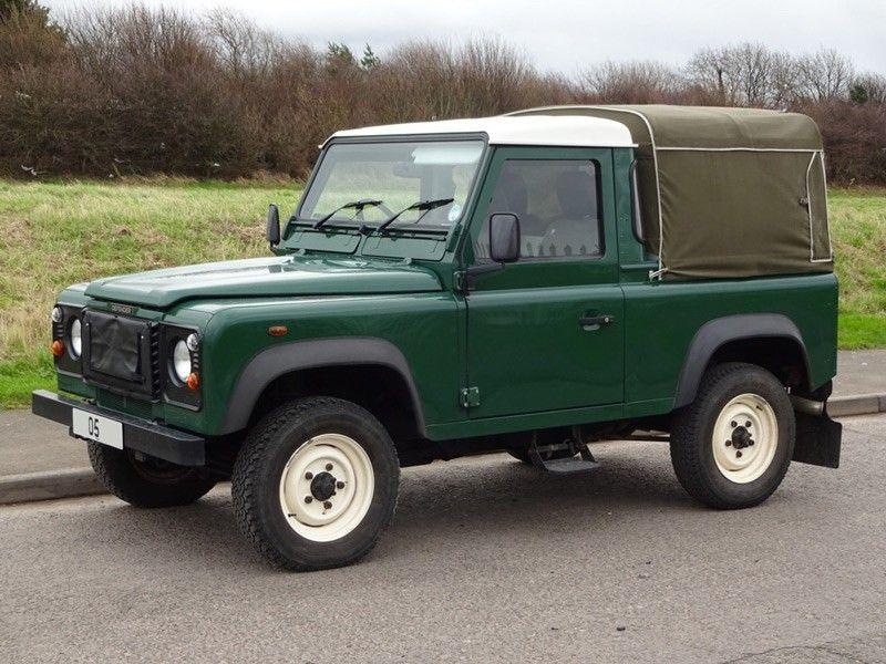 land rover defender 90 td5 truck cab agribuy. Black Bedroom Furniture Sets. Home Design Ideas