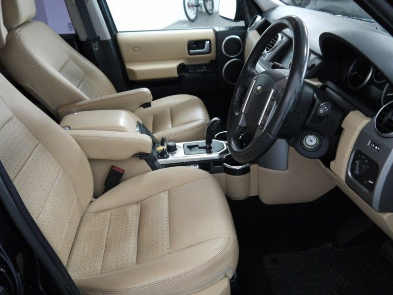 Land Rover - Discovery TDV6 SE Auto - Image 2